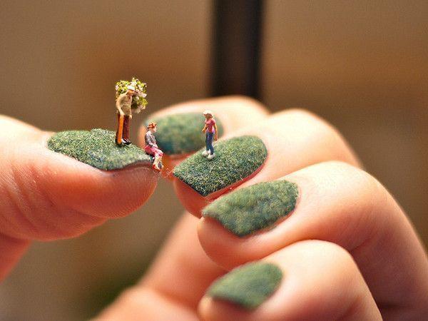Le vernis à ongles.